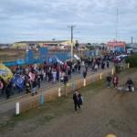 Multitudinaria movilización de los gremios estatales y la UOM por las calles de Río Grande.