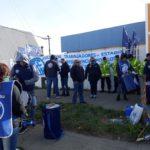 En la mañana de hoy frente al Ministerio de Trabajo sito en calle Obligado de la ciudad de Rio Grande,los Paritarios de ATE se hicieron Presentes para participar de las mismas tras ser convocados por el Gobierno de la Provincia.