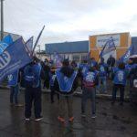 Manifestandonos en las puertas del Ministerio de Trabajo sito en calle Obligado 750 de nuestra Ciudad.